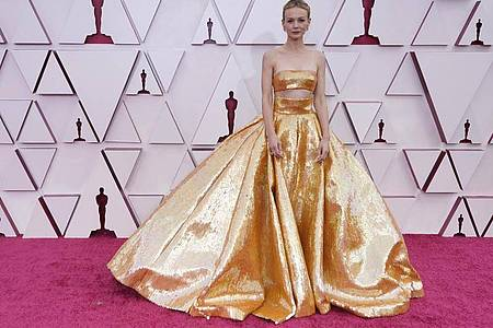 Ganz in Gold: Carey Mulligan. Foto: Chris Pizzello/Pool AP/dpa